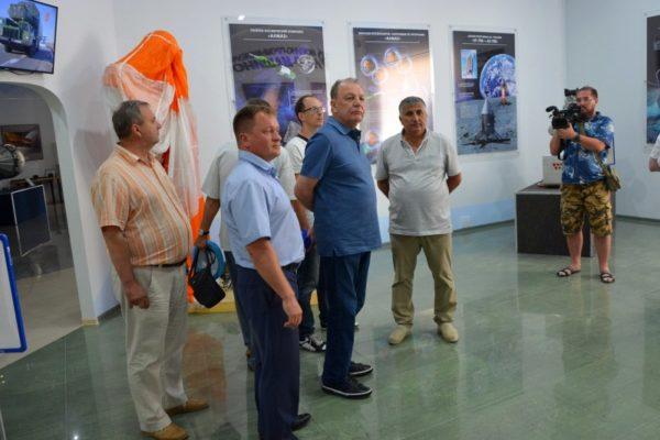 Посещение музея космонавтики делегацией АО ВПК НПО машиностроения