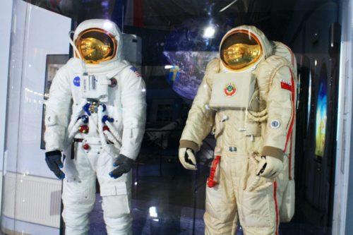 Пополнение экспозиции музея - лунные скафандры космонавтов СССР и американцев!