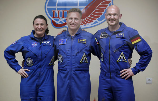 Кто сейчас в космосе из космонавтов и астронавтов?
