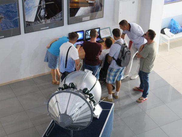 """Авиационная Группа Высшего Пилотажа """"Стрижи"""" в музее Космонавтики"""